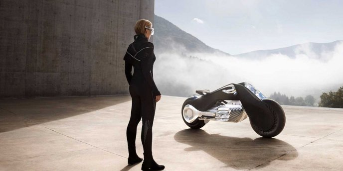 bmw-is-building-a-self-balancing-motorcycle